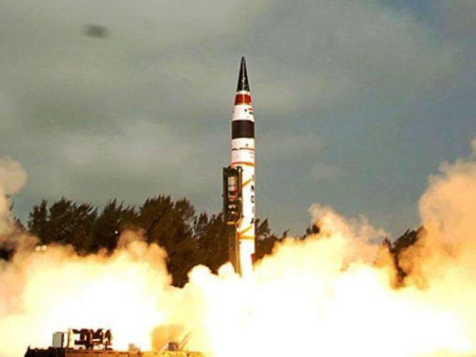 En Inde, un projet de missile balistique est en cours de développement, capable de fournir des armes nucléaires à 10 mille km