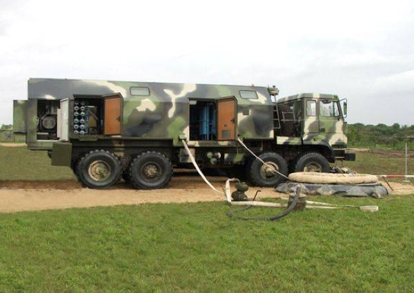"""Veículos militares no chassi """"Ural-53236"""""""
