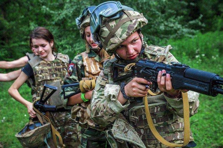 Poroshenko ordenou desarmar todas as formações ilegais