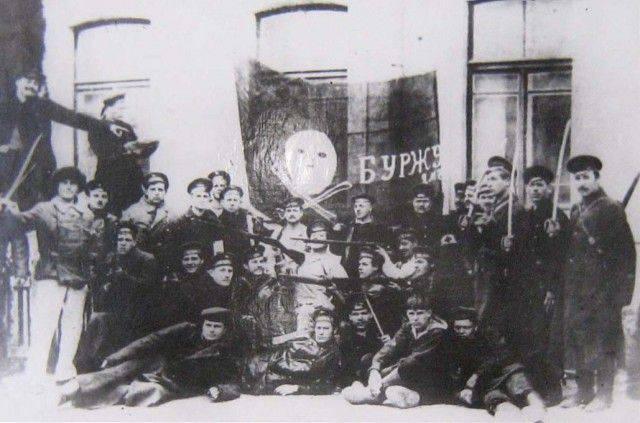 जुलाई 1917 में एक क्रांति हो सकती है। पेत्रोग्राद में सशस्त्र विद्रोह