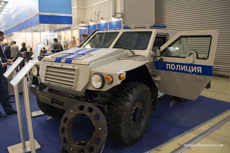 装甲車ShBSA-1811「アンサー」