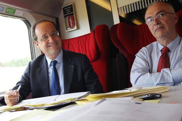 """Tirez le caoutchouc en français: Hollande a réitéré son """"empressement à prendre une décision sur les Mistrals dans les prochaines semaines"""""""
