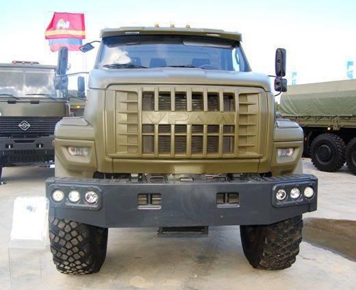 """Versione dell'esercito del camion """"Ural-M"""""""