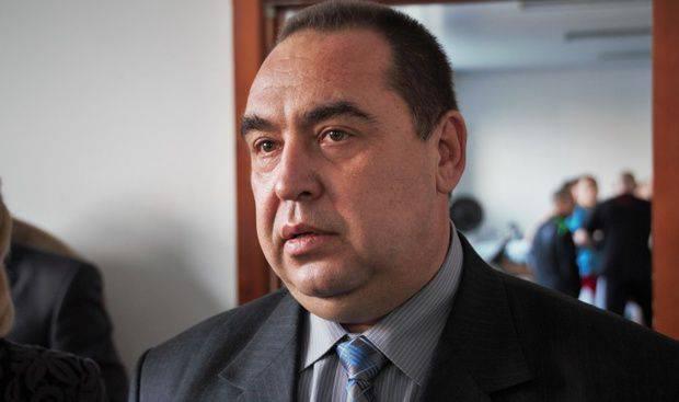 Plotnitsky는 LC와 DPR의 거주자를 희망하는 사람들을 위해 러시아 연방의 여권 발행 문제에 대한 고려를 발표했다.