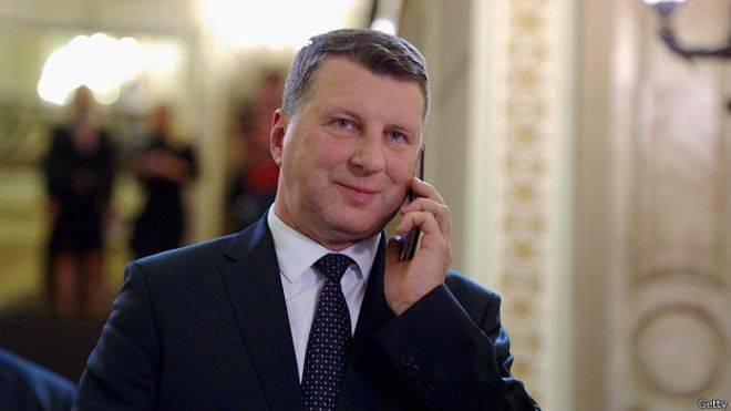 Vejonisはラトビアの非市民にもっと活発な市民になるように促した