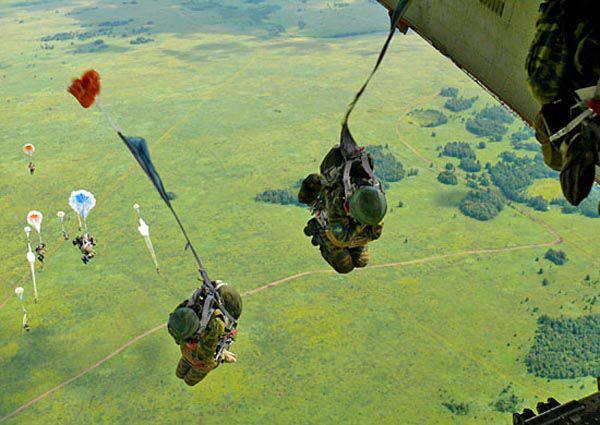 8 월 2 - 공수 부대의 날
