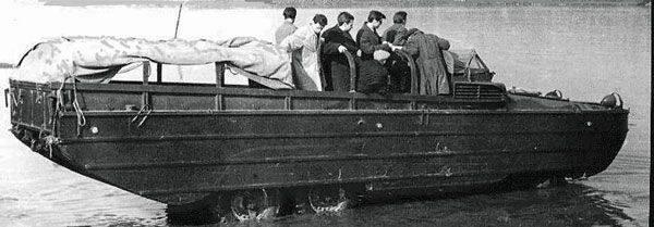 Groß und schwebend. Die Geschichte der Amphibien BAS. Ende