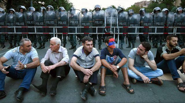 """Yurtdışı el """"elektrik protesto""""?"""