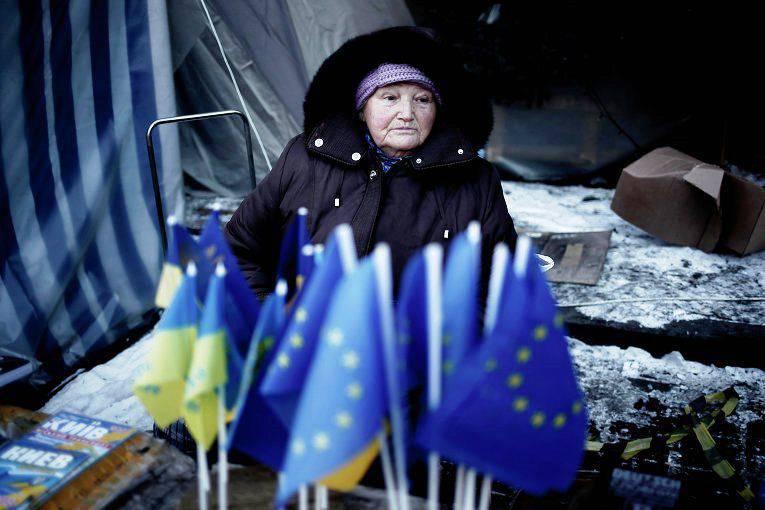 전 유럽 집행 위원 : 우크라이나는 전쟁을 두려워해서는 안되지만, 기아와 추위는 두려워해서는 안된다.