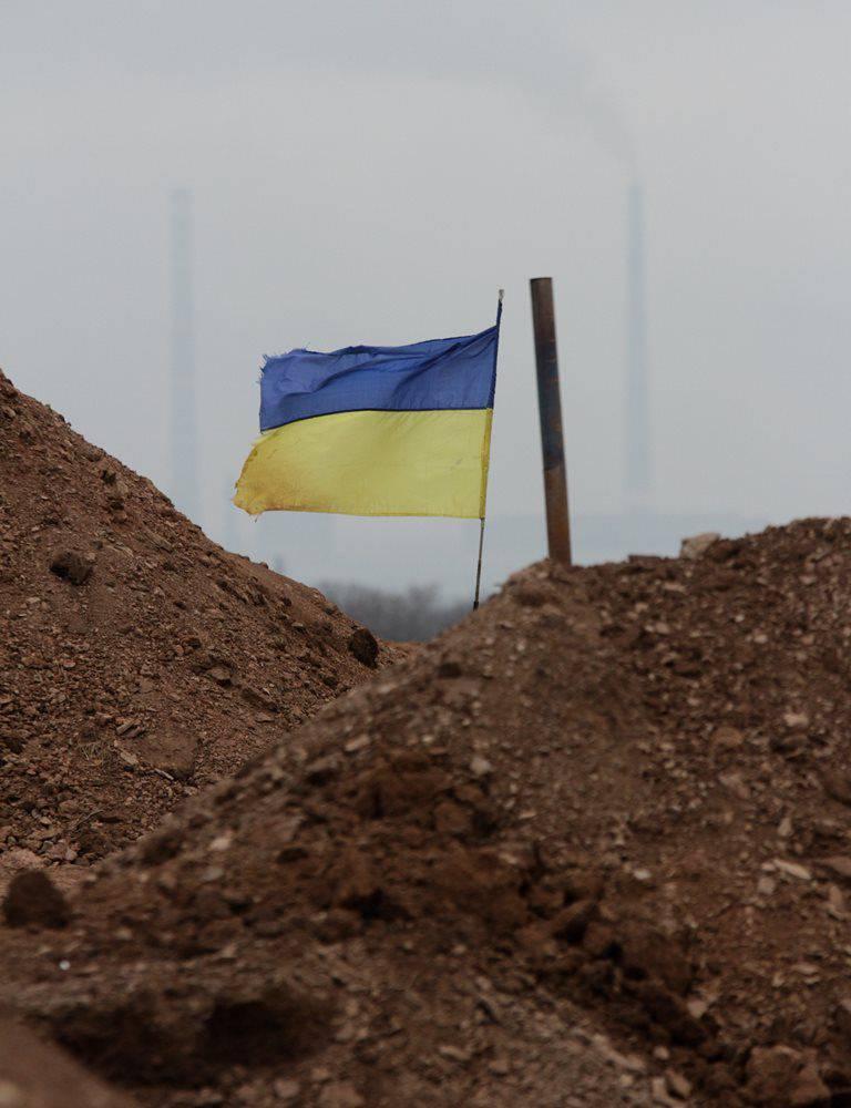 "Yatsenyuk : 모스크바가 Minsk 계약을 준수하지 않았기 때문에 우크라이나에서의 세계 가입은 ""아주 멀리""이다."