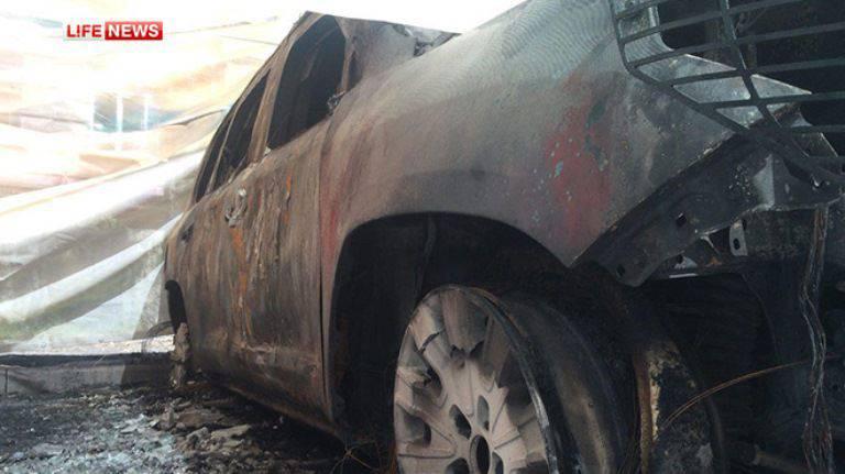 Le auto dell'OSCE 6 sono bruciate a Donetsk