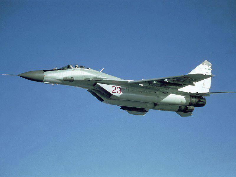 현대화 된 MiG-29, 아르메니아에 러시아 기지에 도착 함