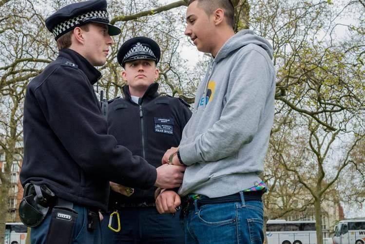 IG, İngiliz gönüllülerine kendi ülkelerinde kalmalarını ve orada terörist eylemlerde bulunmalarını tavsiye ediyor