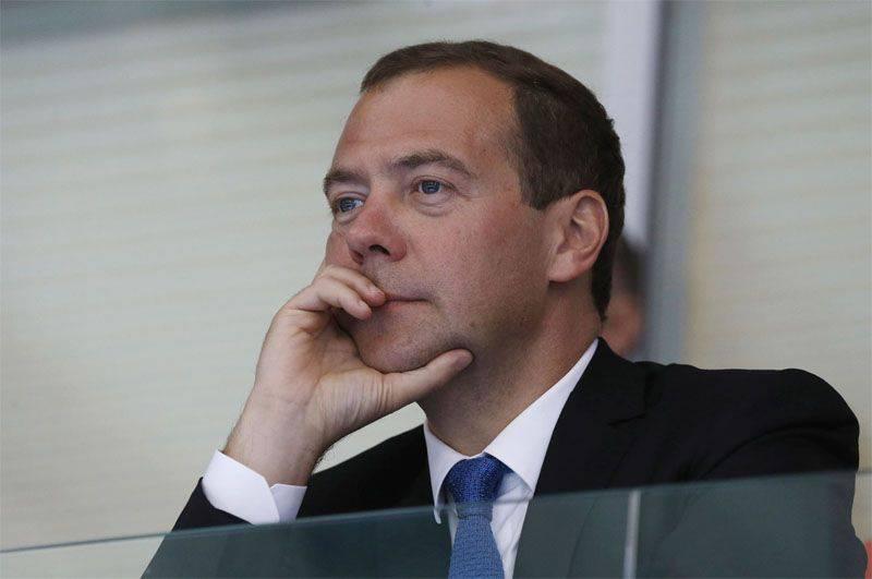 Dmitry Medvedev ha nominato cinque stati contro i quali la Federazione Russa ha introdotto contro-sanzioni
