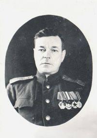 Lieutenant Colonel N.P. Rapasov à 1947 leur a attribué la grande médaille d'or. P.P. Semenov.