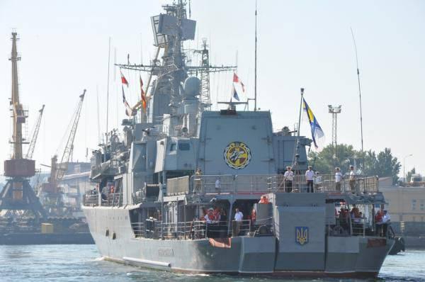 우크라이나 함장은 러시아 연안의 흑해 함대가 우크라이나 해군과 비교하여 실질적으로 이점이 없다고 말했다.