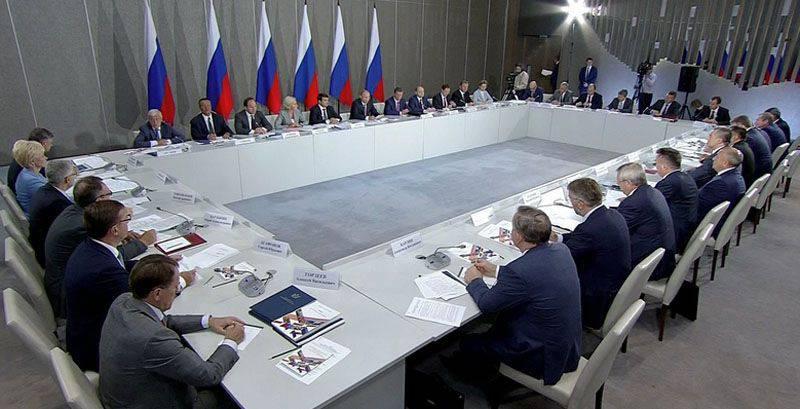 Porochenko a déclaré que la visite en Crimée, Vladimir Poutine devait être d'accord avec lui