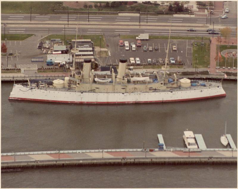 """O cruzador """"Olympia"""" ou o passado colonial dos EUA para a venda!"""