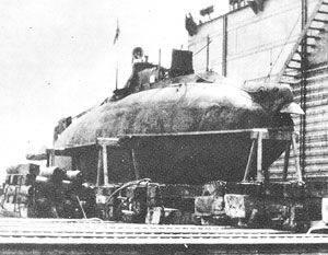 """""""我々はすでに死んだ潜水艦の家族の構成に関する文書を見つけました"""""""