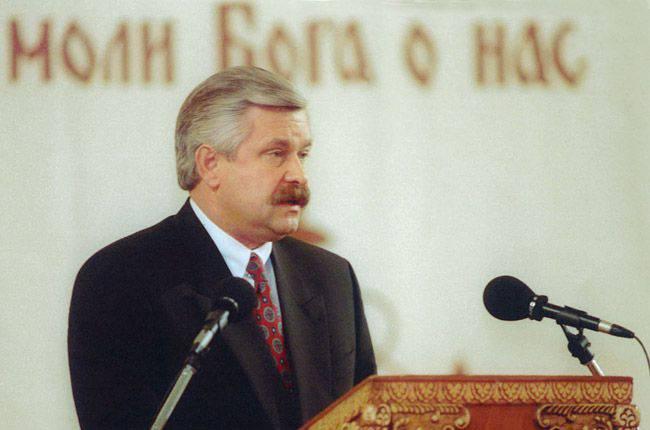 """알렉산더 루츠 코이 (Alexander Rutskoi)는 도네츠크 인근의 """"보잉 - 777""""사고의 원인에 대한 자신의 생각에 대해 이야기했다."""