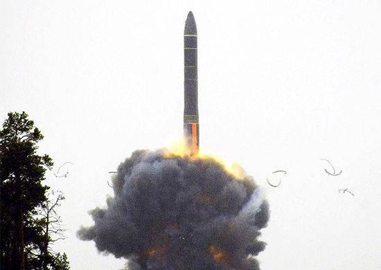 Topol ICBM은 Sary-Shagan 테스트 사이트에서 기존 목표를 성공적으로 달성했습니다.
