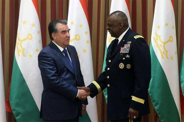 米国はタジキスタンに安全保障の強化を手助けすると約束している