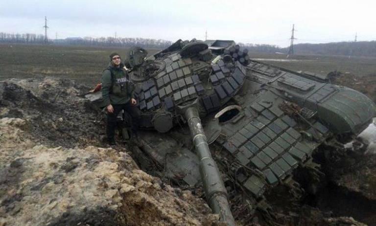 우크라이나 국방 장관 : Debaltseve는 40 대대의 결점을 통과했습니다.
