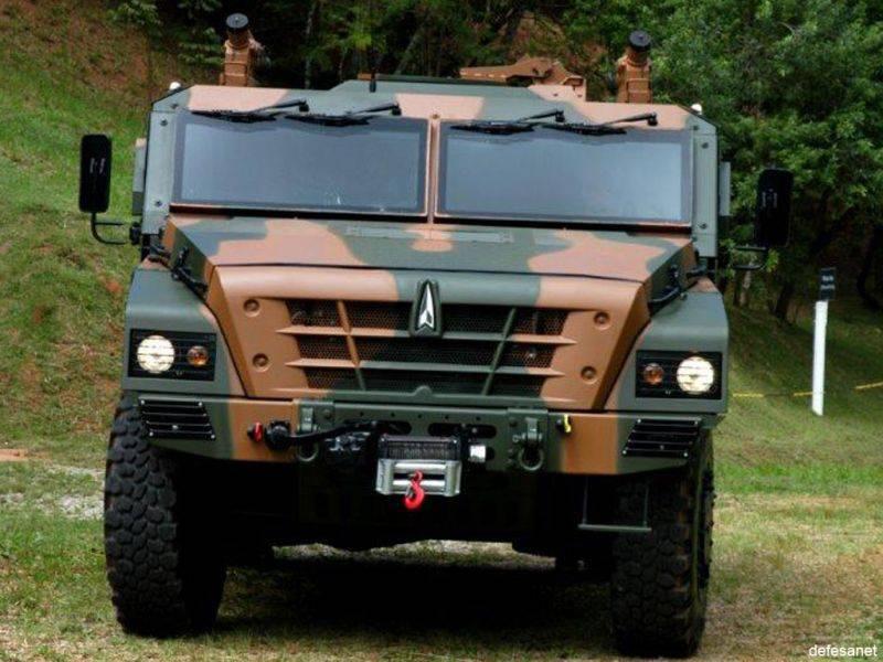 Brezilyalı hafif zırhlı araç TUPI 4x4