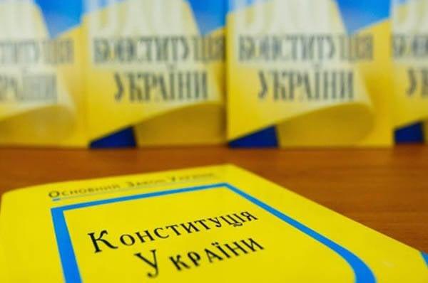 Pays 404. Porochenko: Poutine est le premier à s'opposer à la décentralisation de l'Ukraine, il n'y aura donc aucun statut spécial!