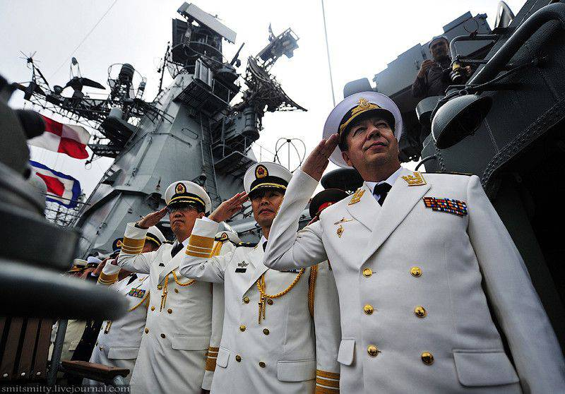 Russian-Chinese naval exercises ended with a parade in Vladivostok