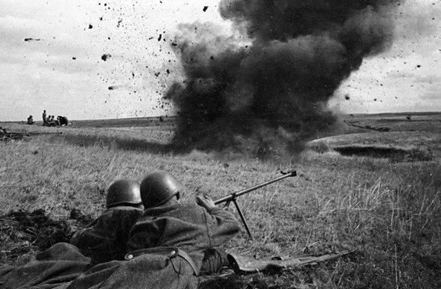 """""""1944 년 동안 일본인 37은 한때 우리 국경을 침범했습니다"""""""