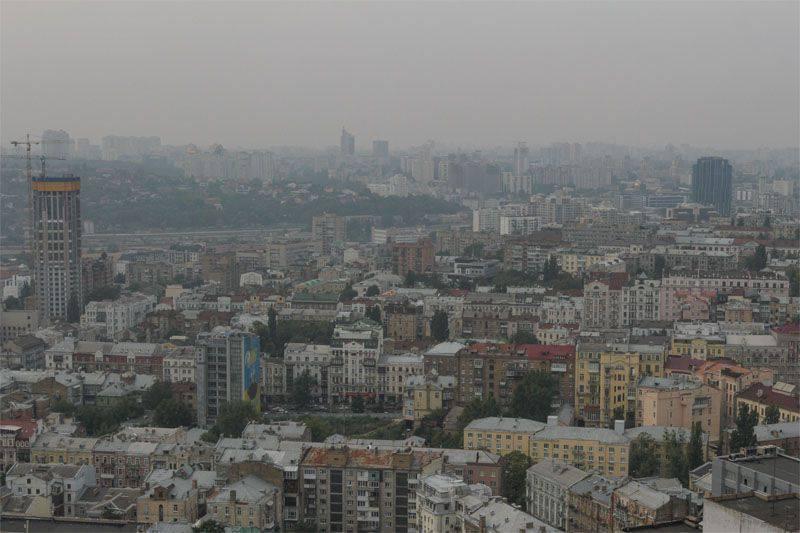 """키예프에서, """"공산주의화되지 않은""""Panfilovtsev 거리"""