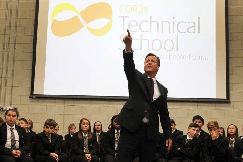 Cameron a nommé les responsables de l'afflux de réfugiés du Moyen-Orient et d'Afrique en Europe