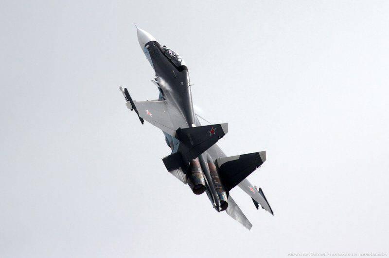 Su-30SMはクリミアマリンアサルト航空連隊にサービスを提供しました