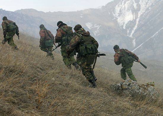 800 intelligence officers underwent special training at a mountain range in North Ossetia