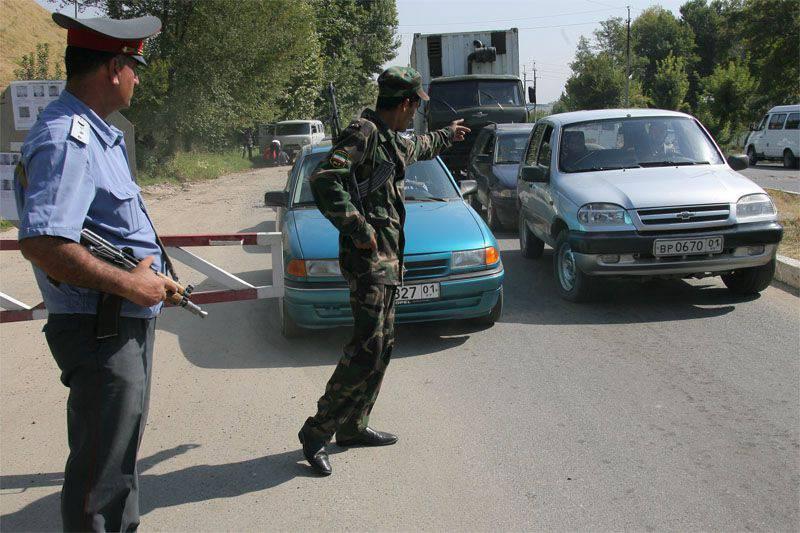 Una serie di attacchi militanti contro forze dell'ordine e personale militare in Tagikistan