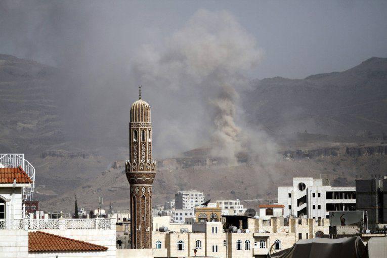 Frappe aérienne et missile au Yémen