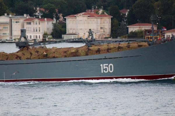 8 월 초부터 러시아 선박은 시리아에 10 비행편을 보급했다.