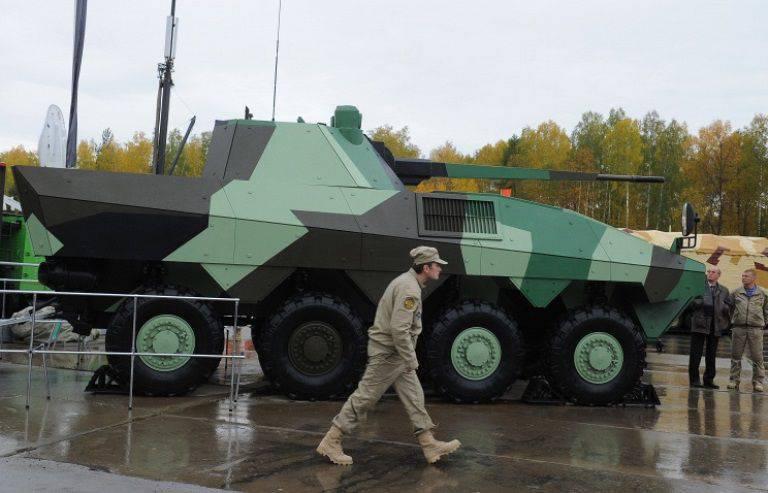 "BMP ""Atom""은 헬리콥터와 UAV를 파괴 할 수 있습니다."