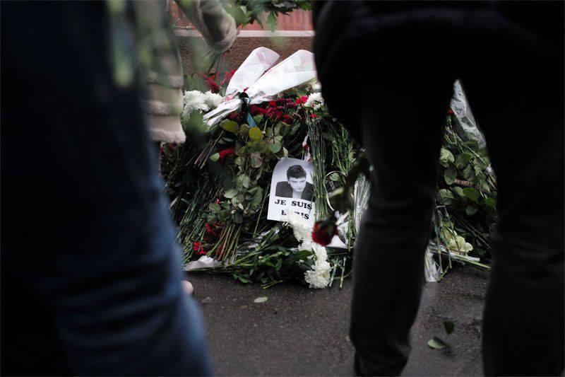 McCain ölümünden sonra Nemtsov'u ödüllendirdi