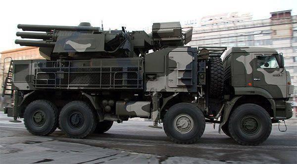 """""""Combat Commonwealth-2015"""" çerçevesinde ilk olarak ZRPK """"Armor-S2"""" kullanıldı."""