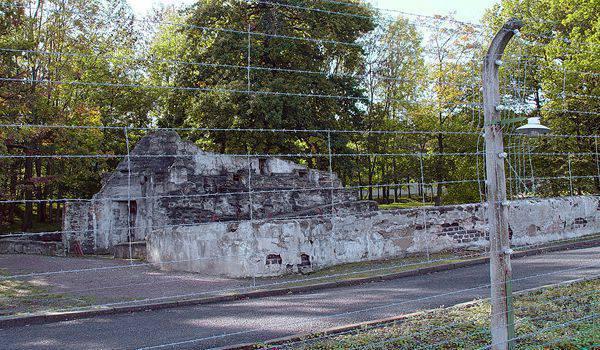 英国の報道機関:ドイツは難民を旧ブッヘンヴァルト強制収容所に入れた
