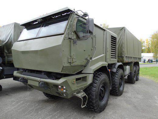 RAE-2015 présente le dernier KAMAZ-6560М avec cabine blindée