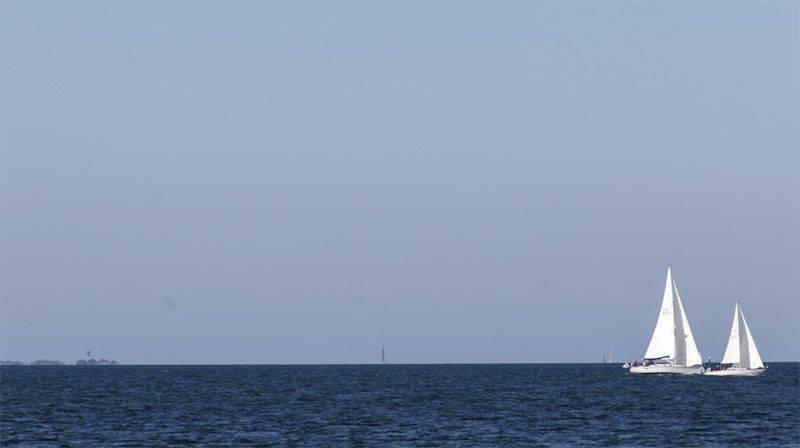 """Литовский МИД выразил протест в связи с тем, что российские военные корабли """"мешают"""" литовским гражданским судам на Балтике"""