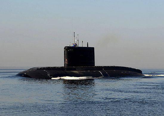 """Le sous-marin """"Novorossiysk"""" participe pour la première fois à des exercices sur la mer Noire"""