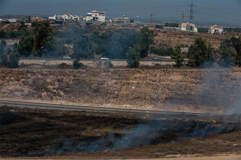 その領土の砲撃に対応して、イスラエルはガザ地区で空爆を開始しました。