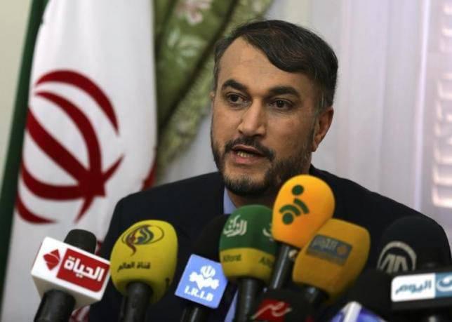 이란은 이라크와 시리아에 자문위원을 파견했다.