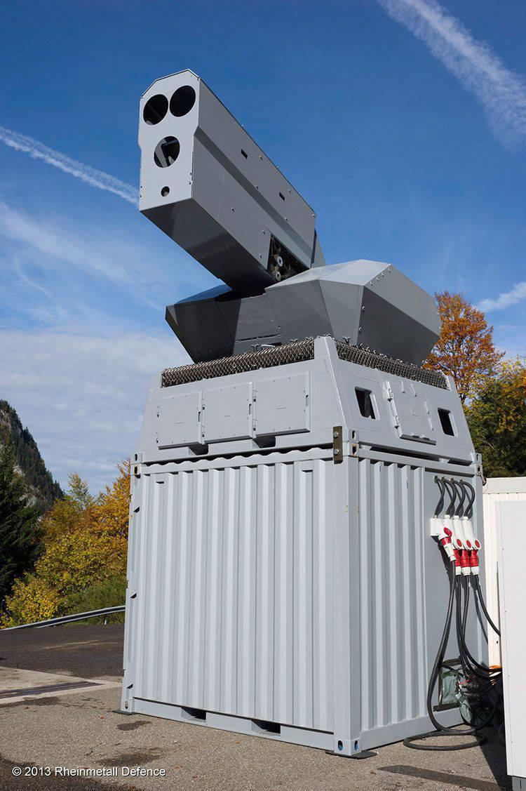 """नया एंटी-ड्रोनिंग """"मल्टी-बैरेल्ड"""" लेजर सिस्टम जो कि राइनमेटॉल डिफेंस इलेक्ट्रॉनिक्स से जहाज के प्लेसमेंट के लिए है"""