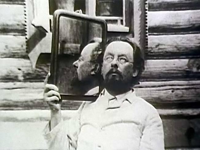 В продолжение рассказа о Циолковском, или буквы под ногами