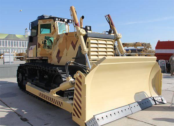 L'usine de tracteurs de Chelyabinsk a présenté un bulldozer blindé